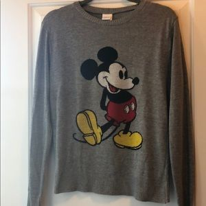 Disney Juniors XL Womens M Mickey Sweater